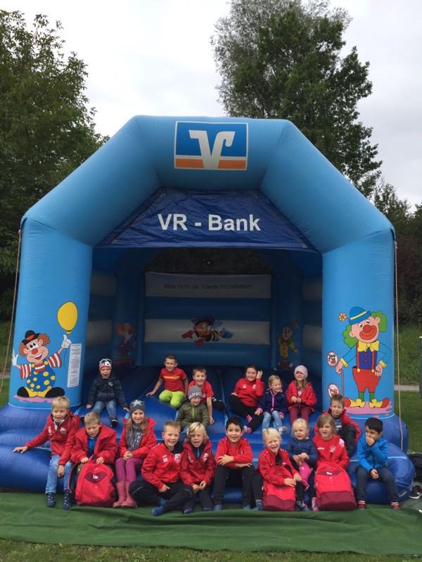 Hüpfburg der VR-Bank Erding eG