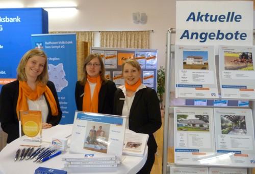 Mitarbeiterinnen der Raiffeisen-Volksbank Isen-Sempt eG