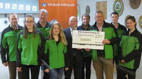 Spendenübergabe Schützengesellschaft Hubertus Hörlkofen - VR-Bank Erding eG