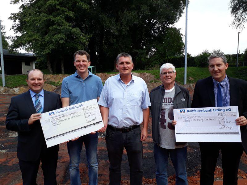 Spendenübergabe VR-Bank Erding eG SpVgg Altenerding